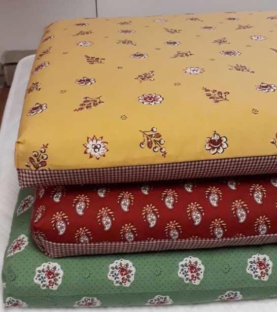 lemmikille oma nukkumapaikka oma tyyny